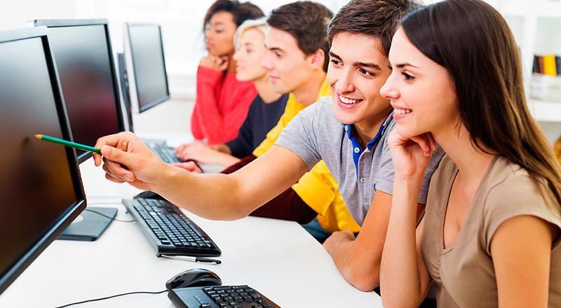 futuro-educacion-estudiar-mientras-trabajas-academia-goma